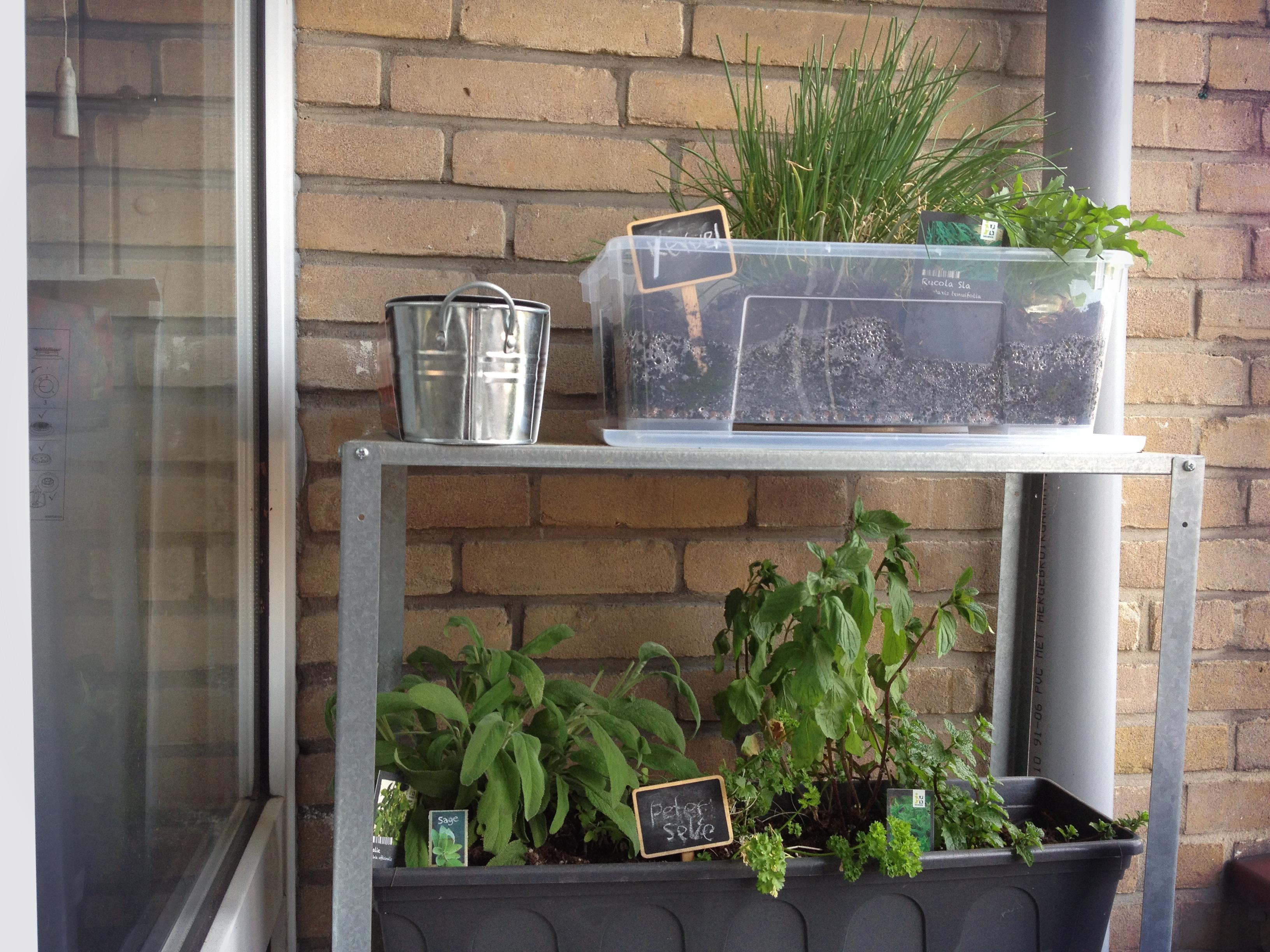 Kast Voor Balkon : Balkon in klein appartement. stunning klein appartement van m met